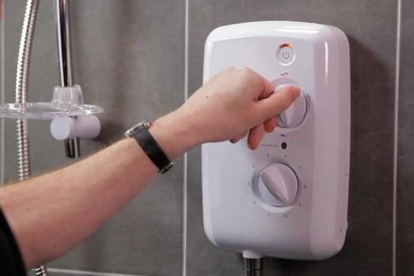 Sửa máy nước nóng quận tân bình Ariston Centon Panasonic Ferroli Alpha Joven